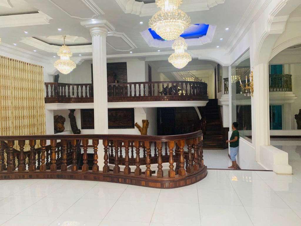 出售 别墅 Toul Kork Phsar Depou II