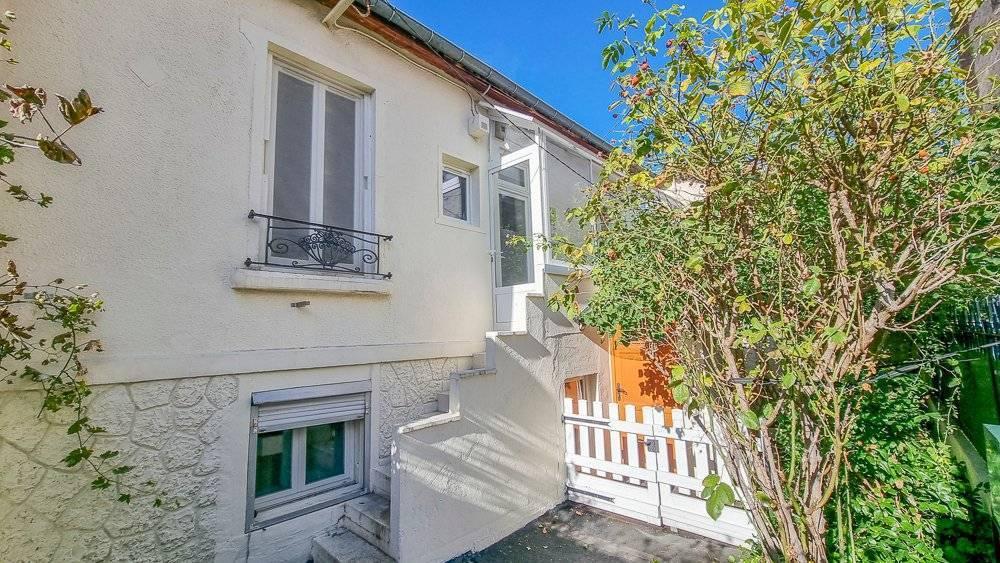 APPARTEMENT avec terrasse, 2-3 pièces 46m² Métro Agnettes