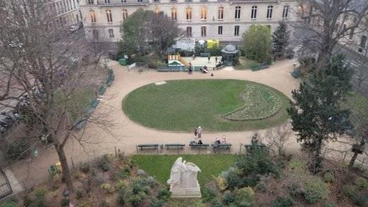 Paris 75007 / rue Casimir Perier /  SOLFERINO / Appartement de 5 pièces meublé