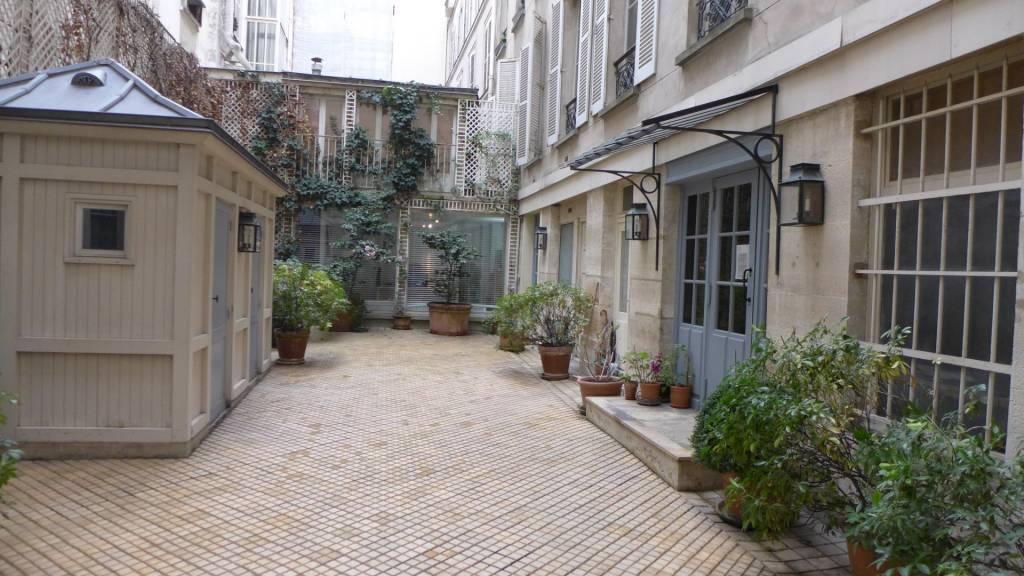 2 piéces Place Beauvau