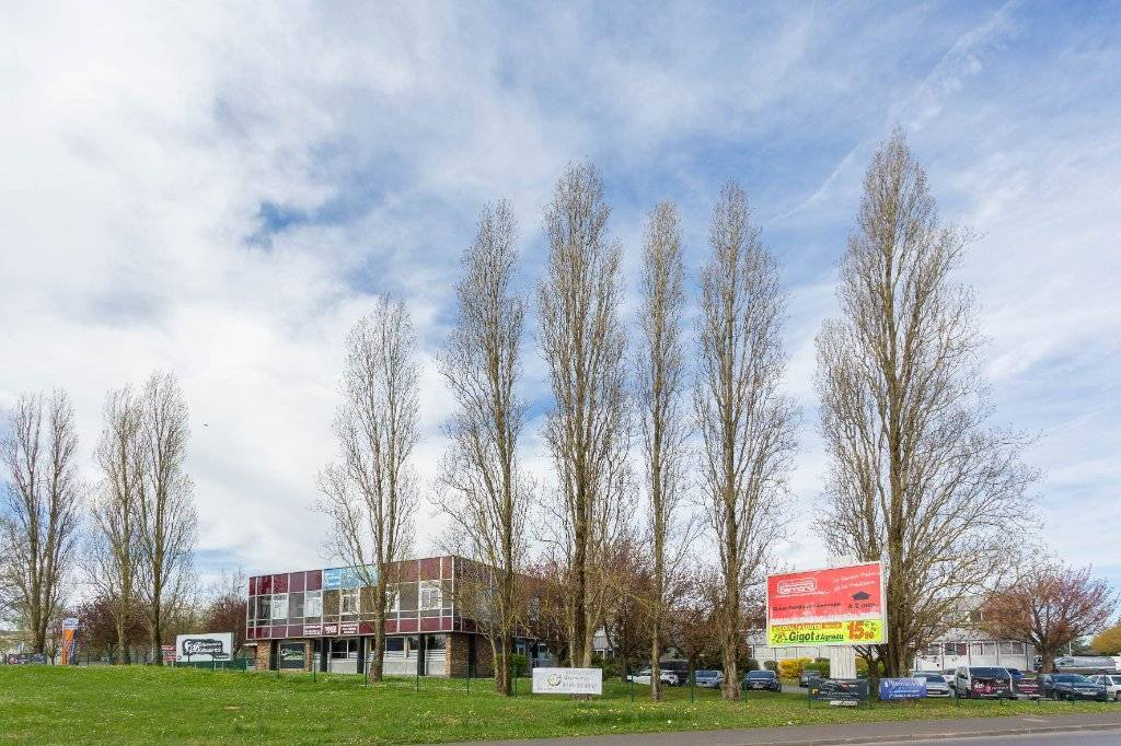 Morangis / ZI Les Gatines / Bureau de 87 m² à louer
