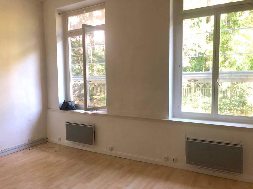 LYON 4 Justin Godard. T1 bis de 26,82m2 plus mezzanine de 8 m2