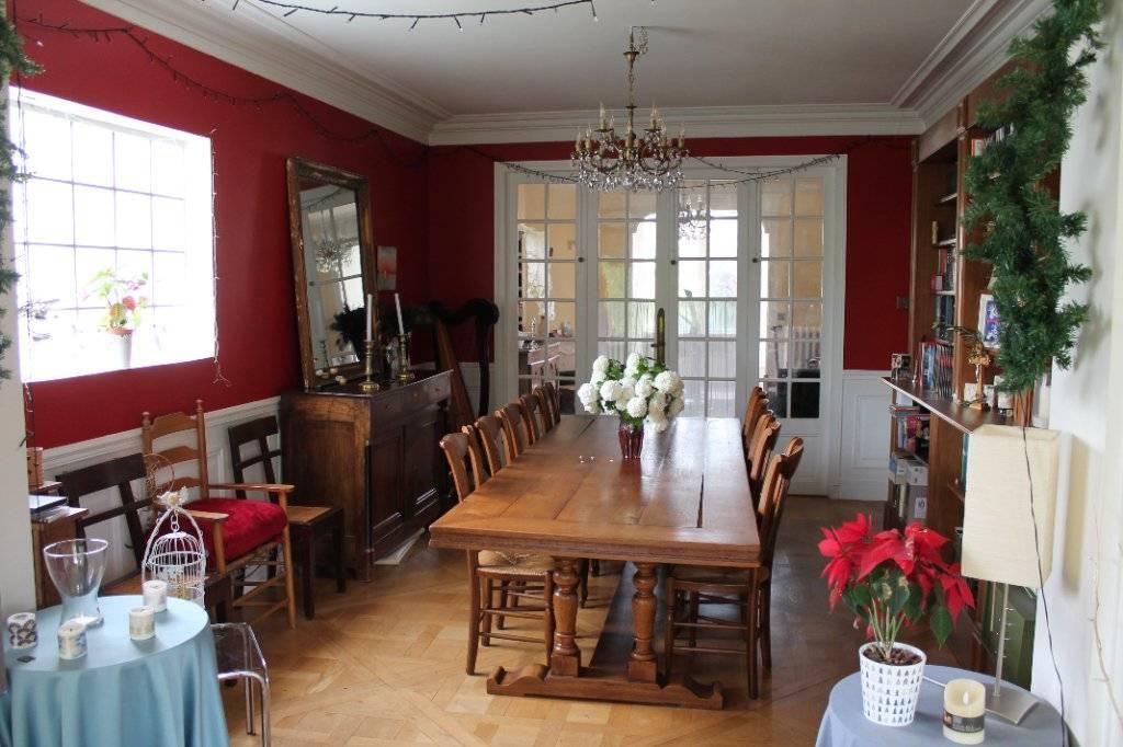 Maison familiale 9 pièces avec jardin