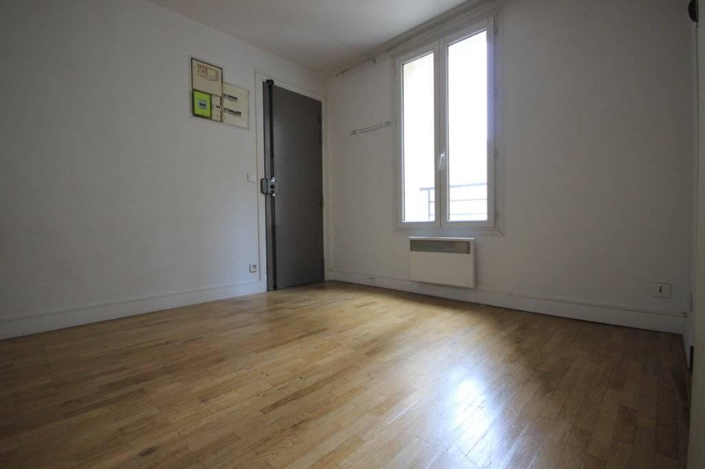 Appartement Pantin 2 pièce(s) 30.0 m2 - 800.54 EUROS CC - CALEM ET LUMINEUX