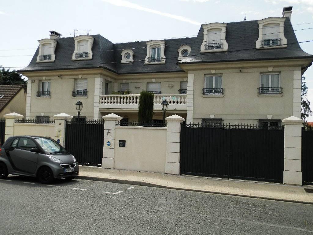 Immeuble Paray Vieille Poste 18 pièce(s) 450 m2
