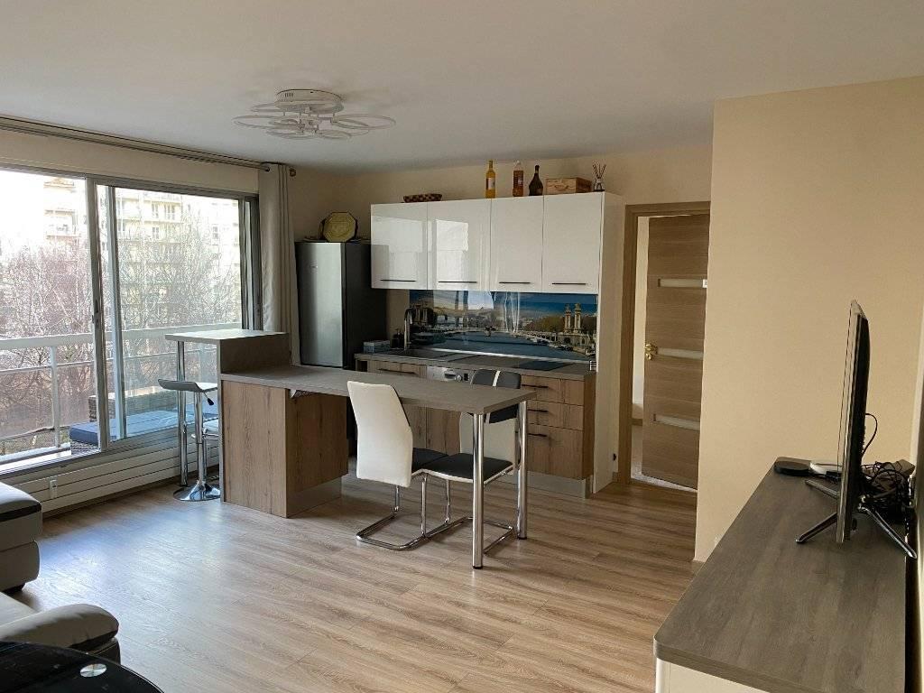 Appartement Courbevoie 2 pièce(s) 53 m2