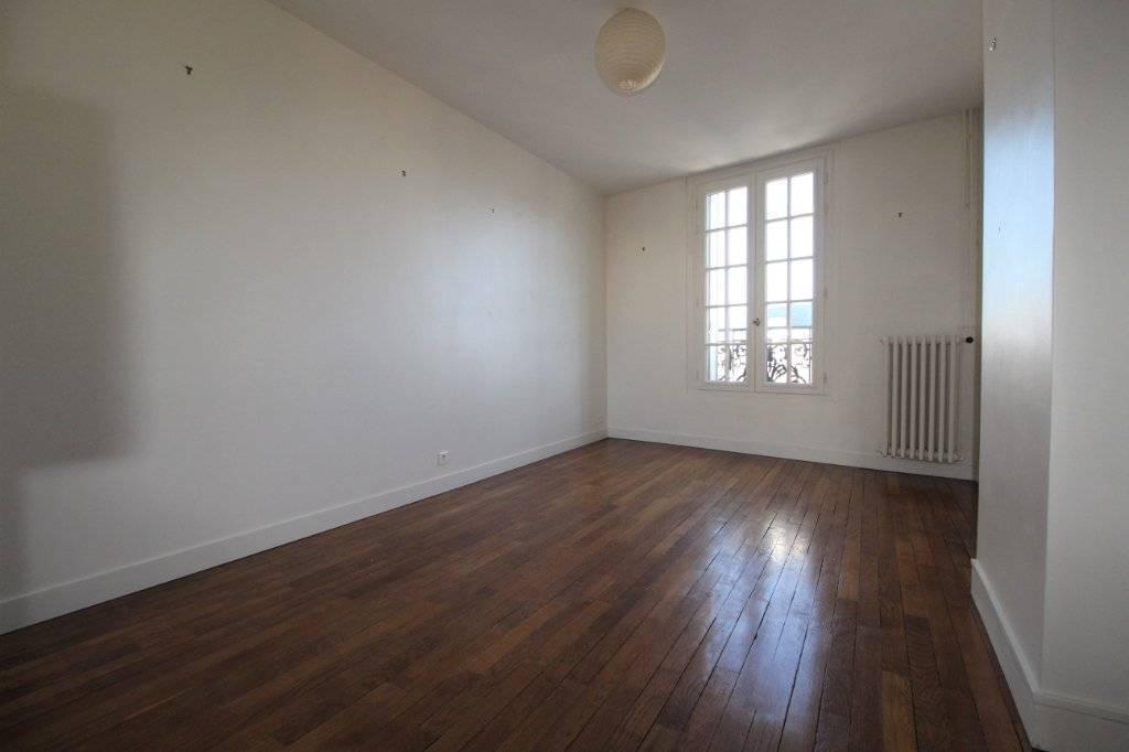 DUPLEX AVEC TERRASSE - 4 pièces - 94 m² au sol - 57,75 m² loi Carrez
