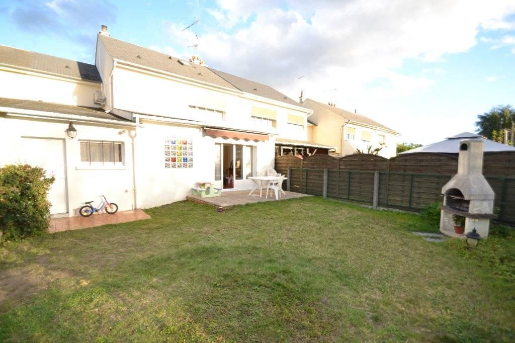 Maison Fleury Les Aubrais 6 pièce(s) 111.47 m2
