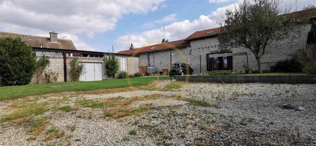 Maison de village 90 m²