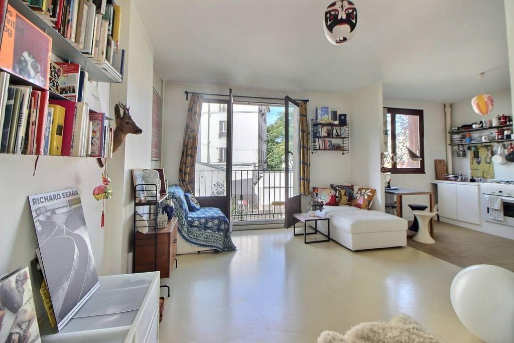 Appartement studio de 35 m² avec un balconnet , sans vis à vis et au calme.
