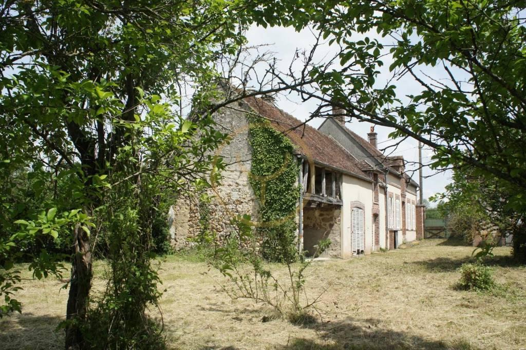 Secteur Nogent-sur-Seine, maison de 192m2 à rénover avec fort potentiel