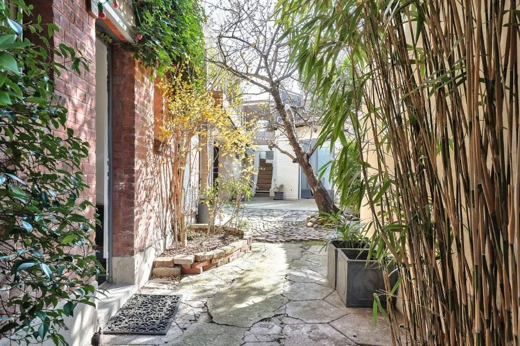 A vendre Maison avec terrasse et dépendance à Suresnes 92150