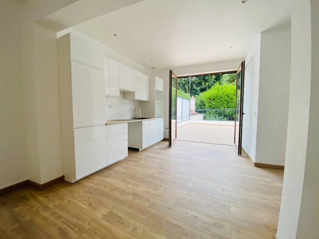 Appartement Duplex 3 pièces avec grande terrasse ensoleillée