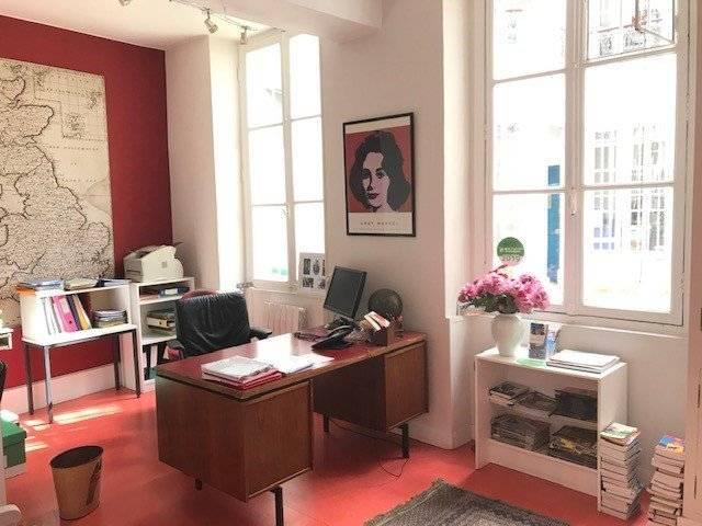 Paris VIè- Local commercial usage bureaux - 71,21 m² - 1.050.000 uros
