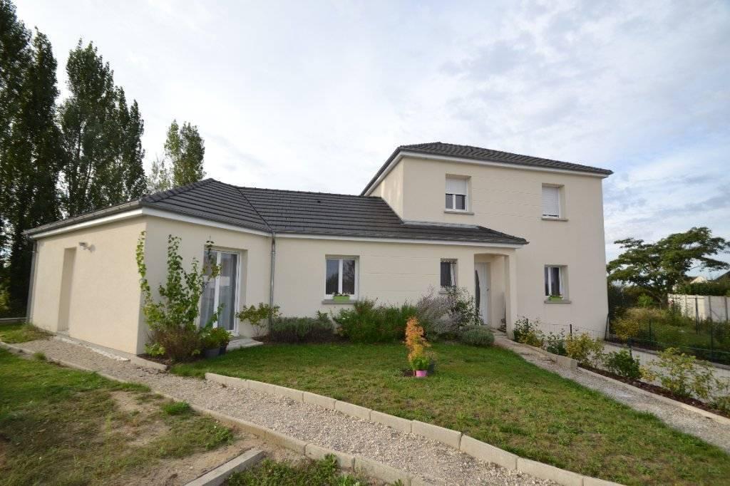 Maison moderne de 7 pièce(s) 163 m2 , 5 chambres sur la commune d'Ingré.
