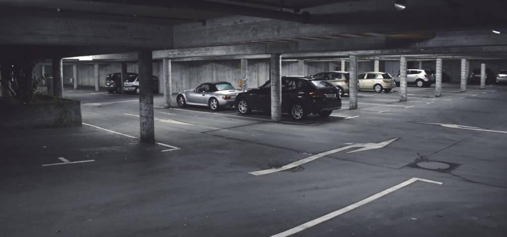 Emplacement de parking. Paris 19è.Simon Bolivar-Buttes Chaum