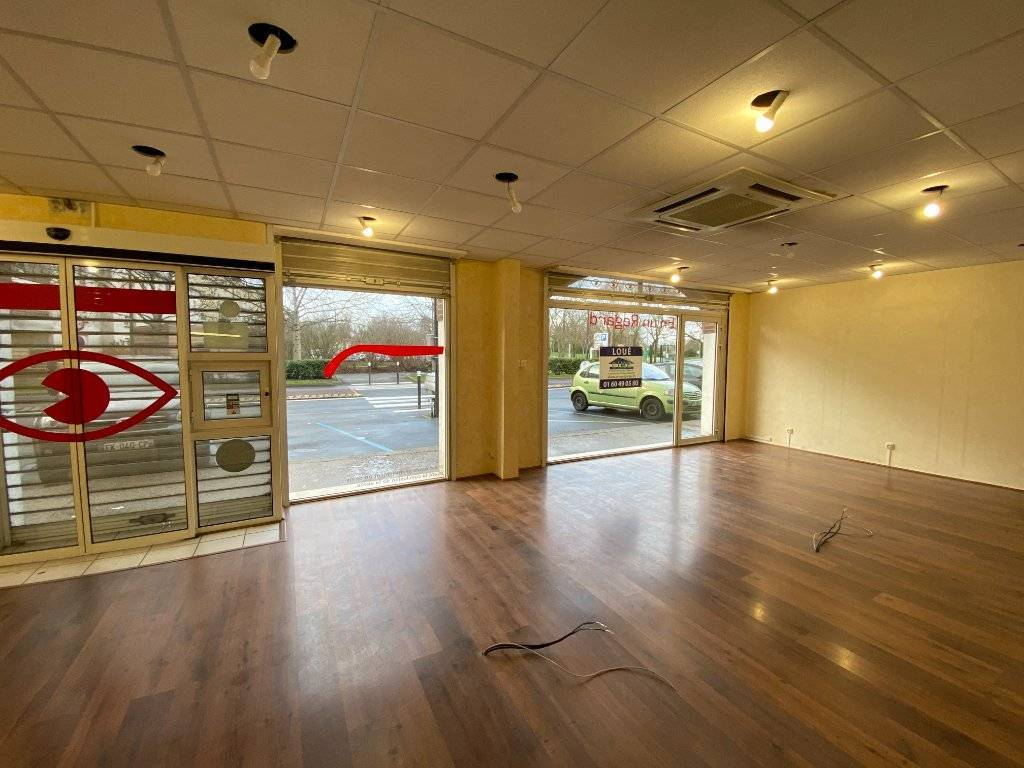 Local commercial 59m2 Chilly Mazarin