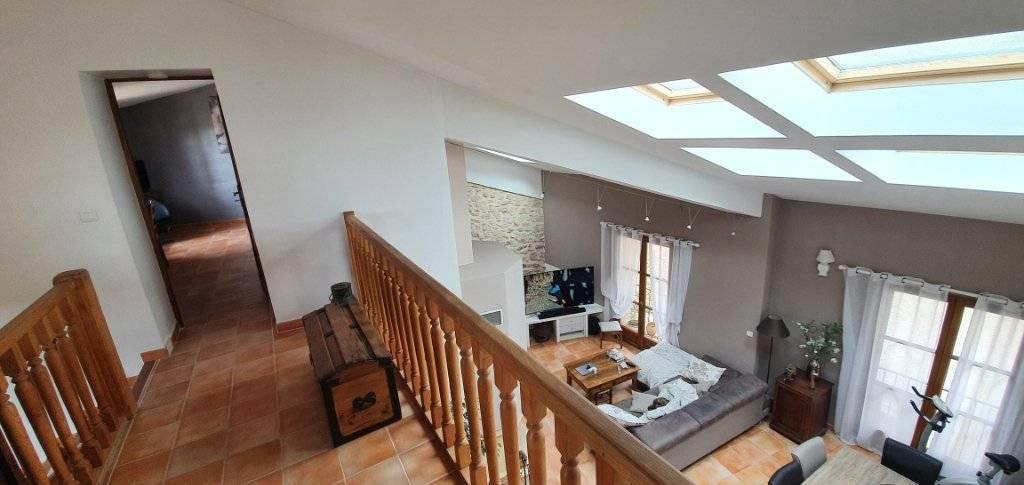 Maison de village à Peyrolles En Provence 5 pièces 143 m2 avec terrasse et garage