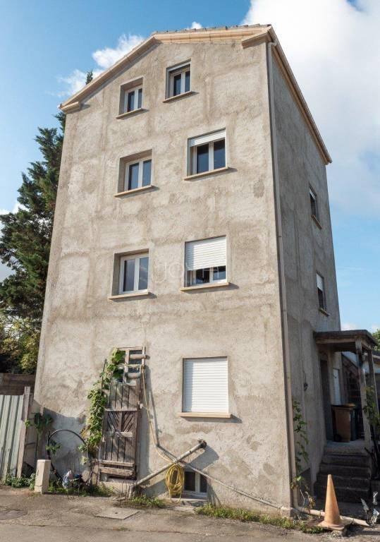 Immeuble 4 étages 160 m²