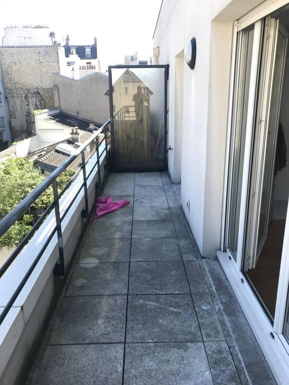 Appartement de 21m2 à 805 EUR par mois à Paris 14 avec balcon