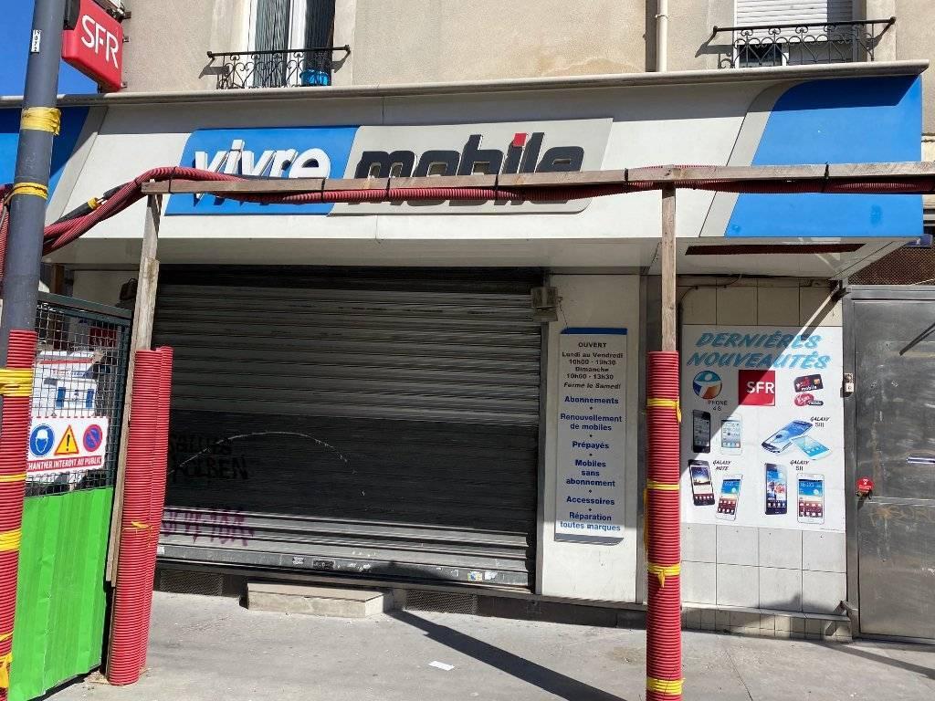 LES LILAS / Métro Mairie des Lilas / Local emplacement de choix