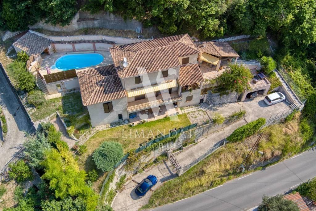 GORBIO limite Menton à 5 minutes bord de mer - Villa 216 m2 terrain 2 300 m2 piscine
