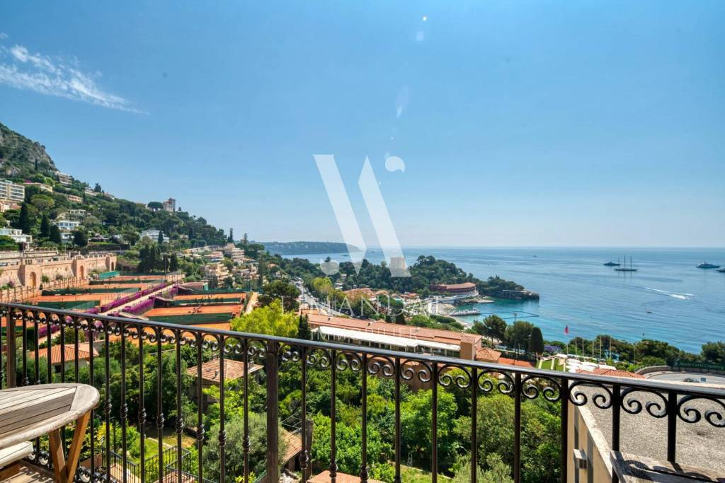 Roquebrune Cap Martin - 3 rooms 82 m2 balcony
