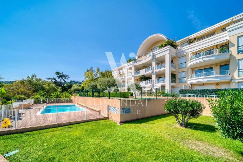 Roquebrune Cap Martin, studio 20 m2 terrasse 15 m2 parking