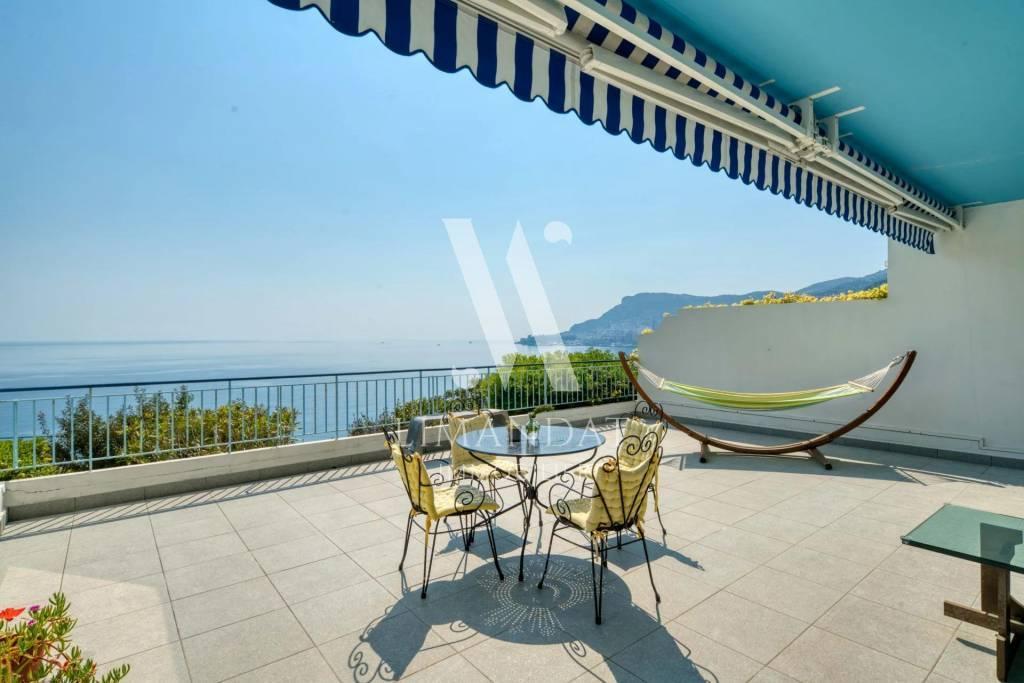Roquebrune Cap Martin, 2 pièces 56 m2 terrasse 46 m2 garage cave