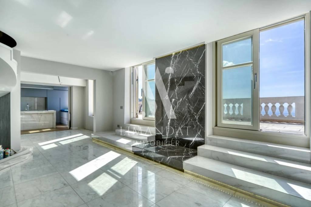 Roquebrune Cap Martin - Duplex 176 m2 - terrasses 45 m2 - garage