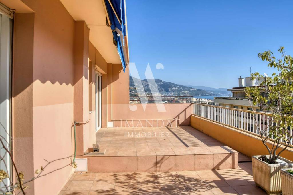 Exclusivité - Roquebrune Cap Martin- Carnoles - dernier étage, terrasse 42 m2, 3 pièces 60 m2