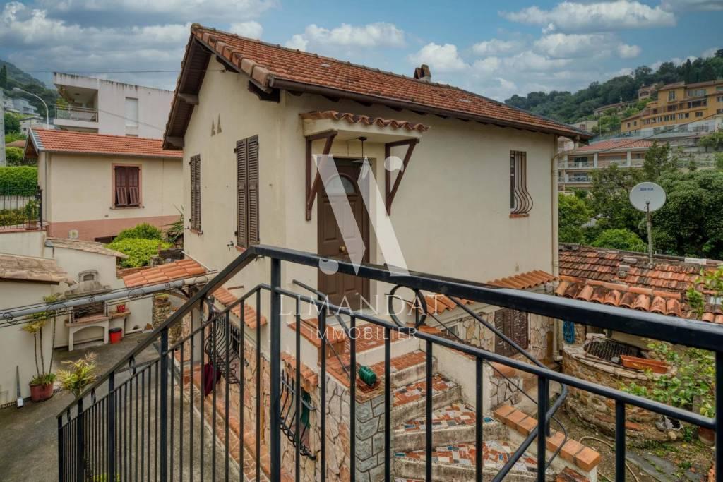 Roquebrune Cap Martin - maison 65 m2 terrain 180 m2