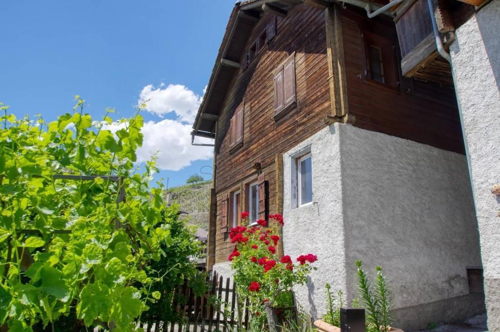 Maison de charme au coeur du vieux village