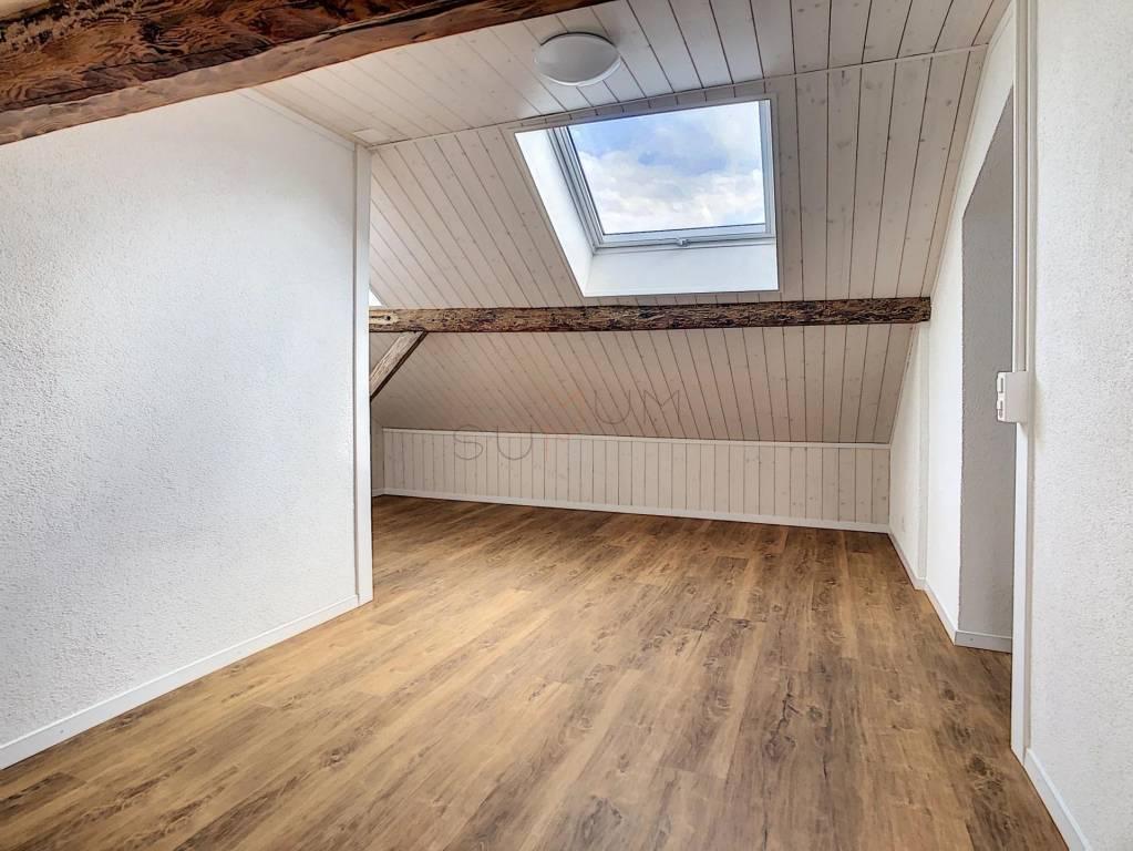 À louer appartement 2.5 pièces (60m2) entièrement rénové à Chamoson