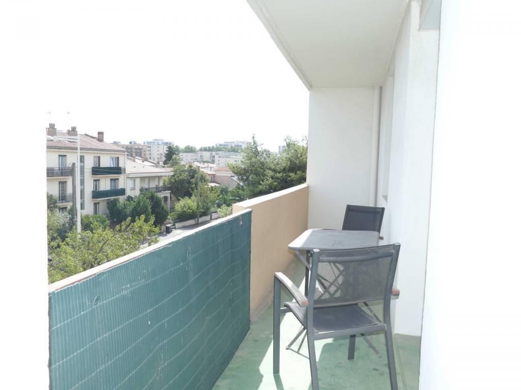 Perpignan Sud au 2ème F4 + Terrasse et parkings