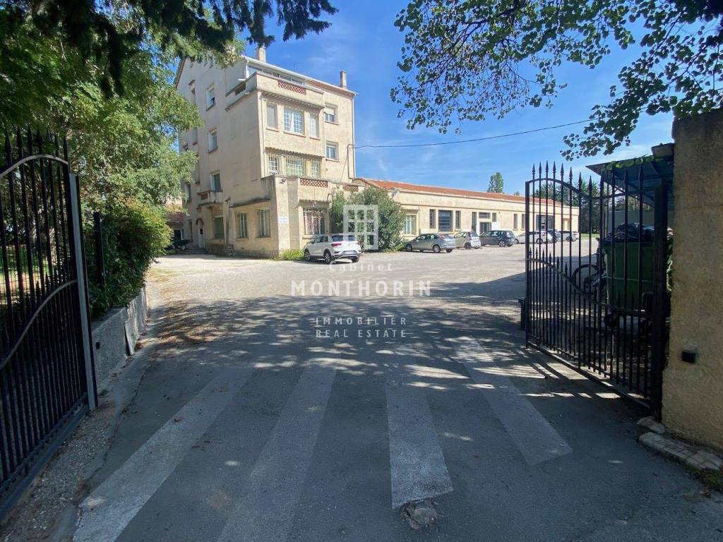 Rental Local Aix-en-Provence