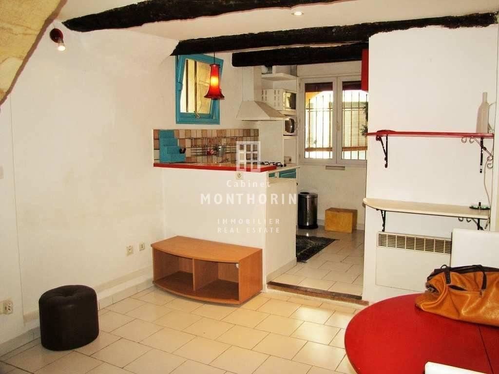 Rental Apartment Aix-en-Provence Vieille ville