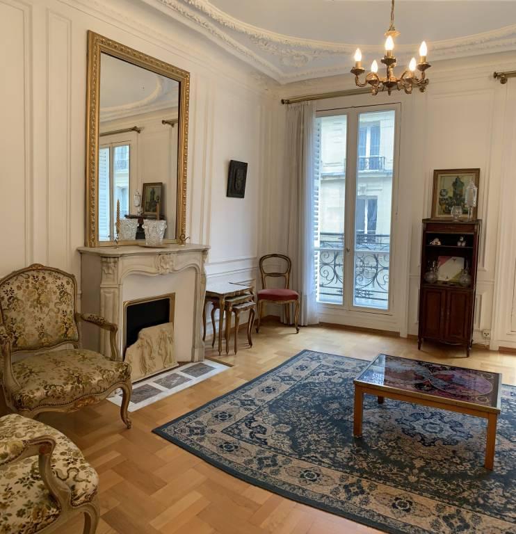 Salon Cheminée Parquet Lustre