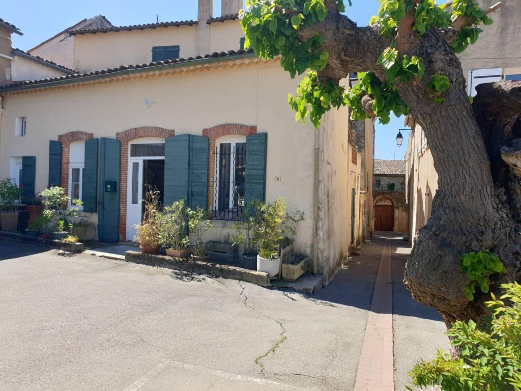 A saisir en exclusivité !! Maison rénovée au coeur du village avec terrasse !