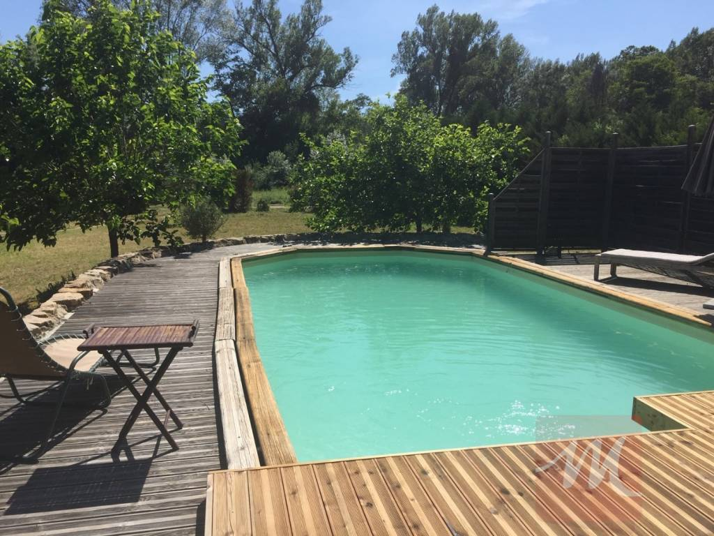 Maison 3 chambres, piscine hors sol à Entrecasteaux.
