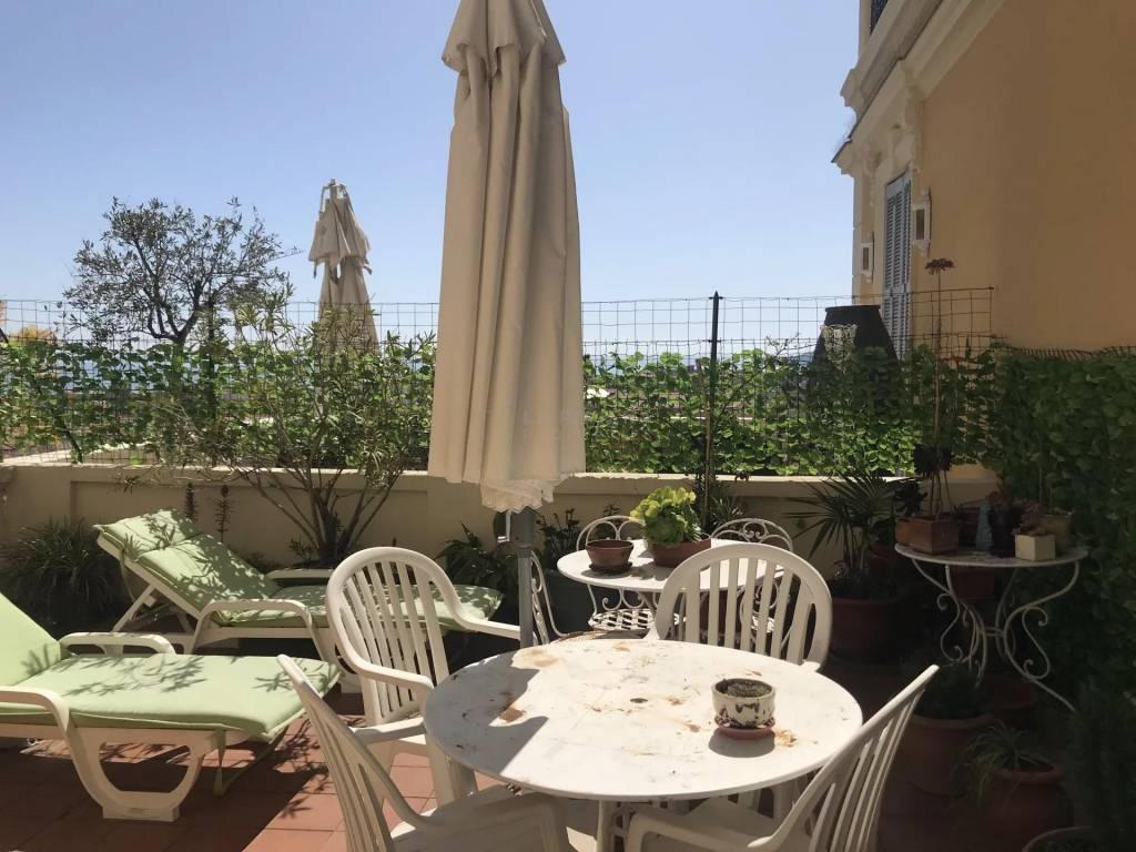 appartement avec terrasse dans ancien Palace Belle Epoque
