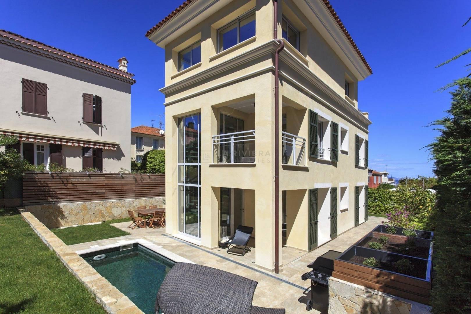 Garden and pool/terraces