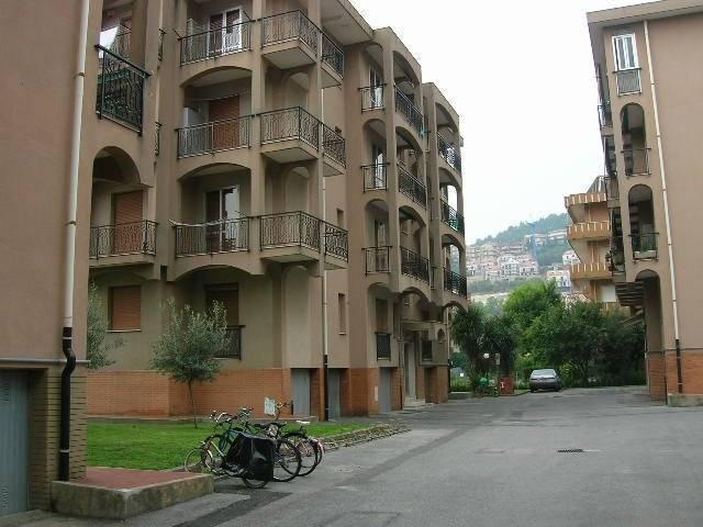 Affitto stagionale Appartamento Pietra Ligure