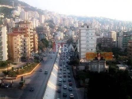 Location Commerce Jounieh-Haret El Sakhr