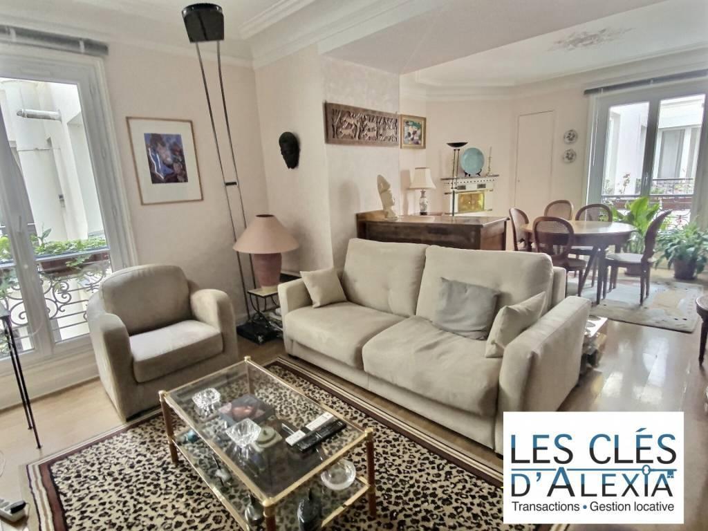 Appartement de caractère rue Saulnier