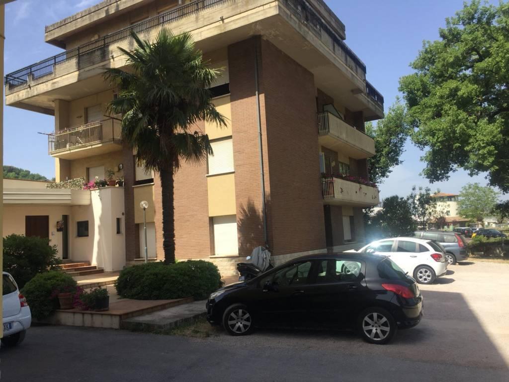 Perugia, zona Quasar, appartamento ristrutturato.
