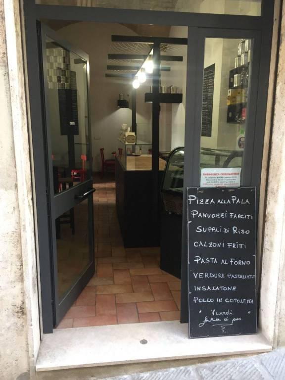 Arco Etrusco, pizzeria al taglio/rosticceria chiavi in mano.