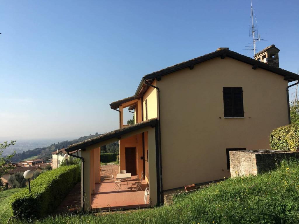 Montebello: casale ristrutturato ottimo prezzo. da vedere!