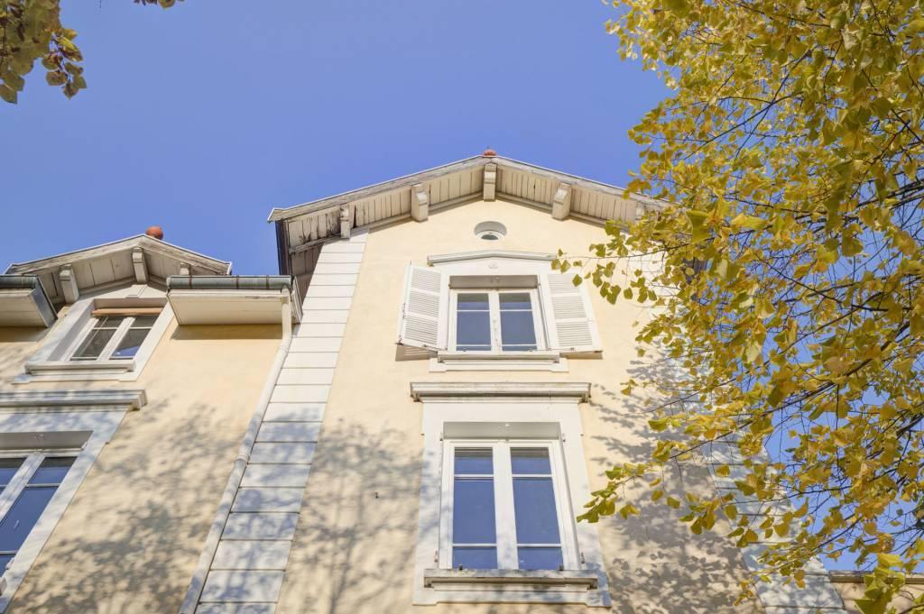 Albigny-sur -Saone, appartement T3, terrasse panoramique de 38m2