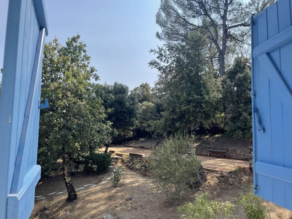 Garéoult, maison provençale avec magnifique jardin